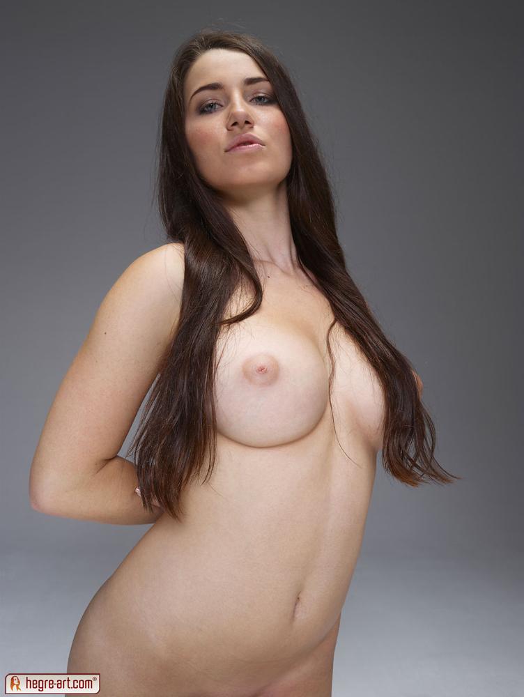 Tiny titty amateur